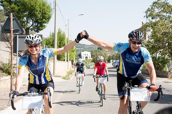happy_cyclists_600x400.jpg